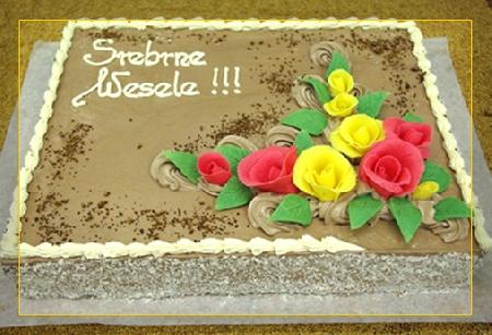 Tort czekoladowy zdekoracją